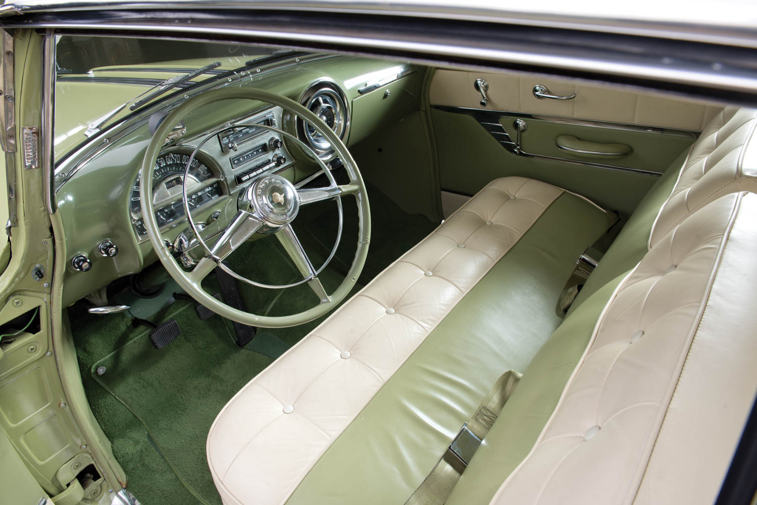 1953 Pontiac Chieftain Deluxe Eight Custom Catalina interior