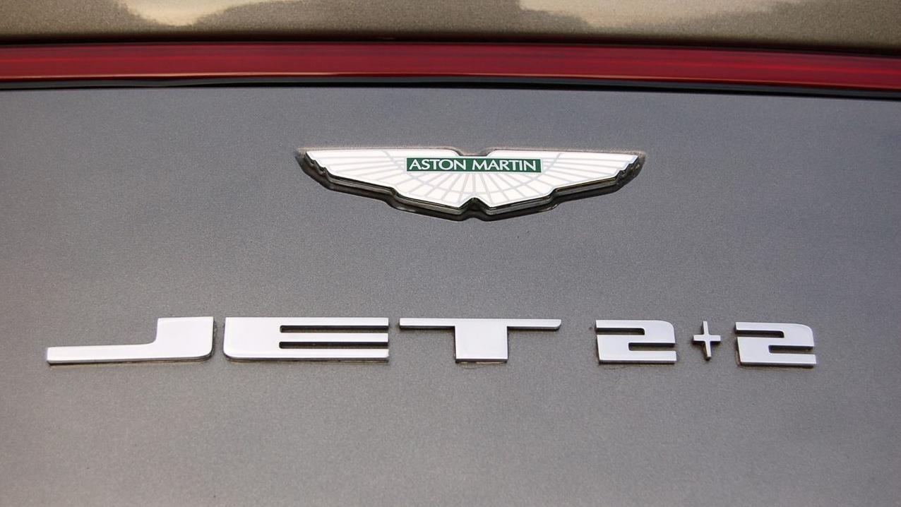 Bertone Jet V-12 special 2+2 badge