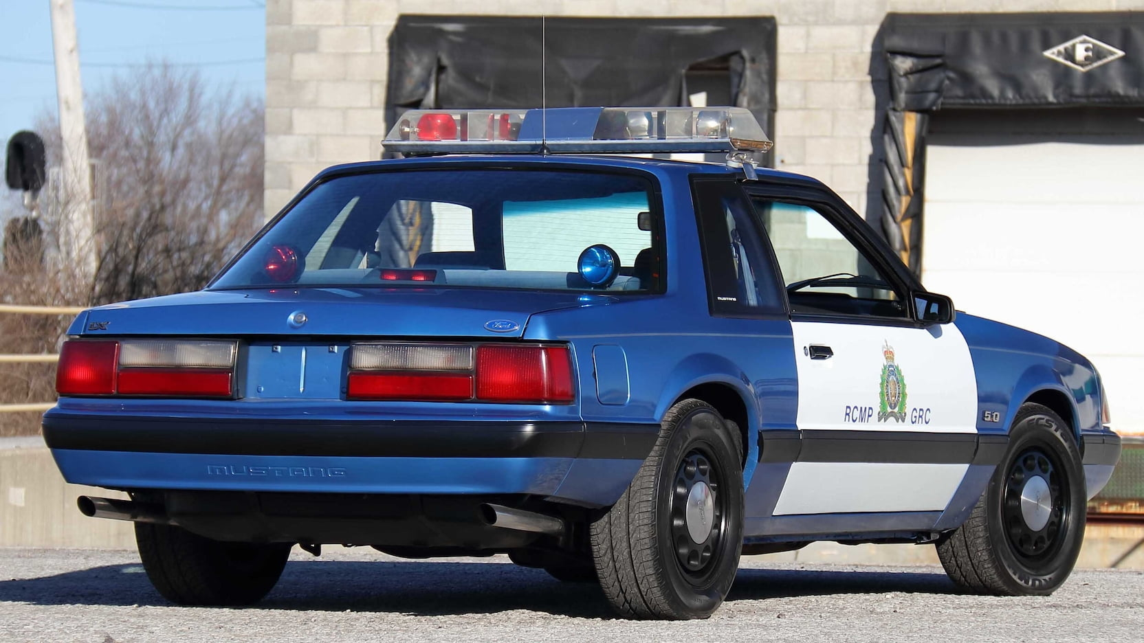 1989 Ford Mustang ssp police car rear three-quarter