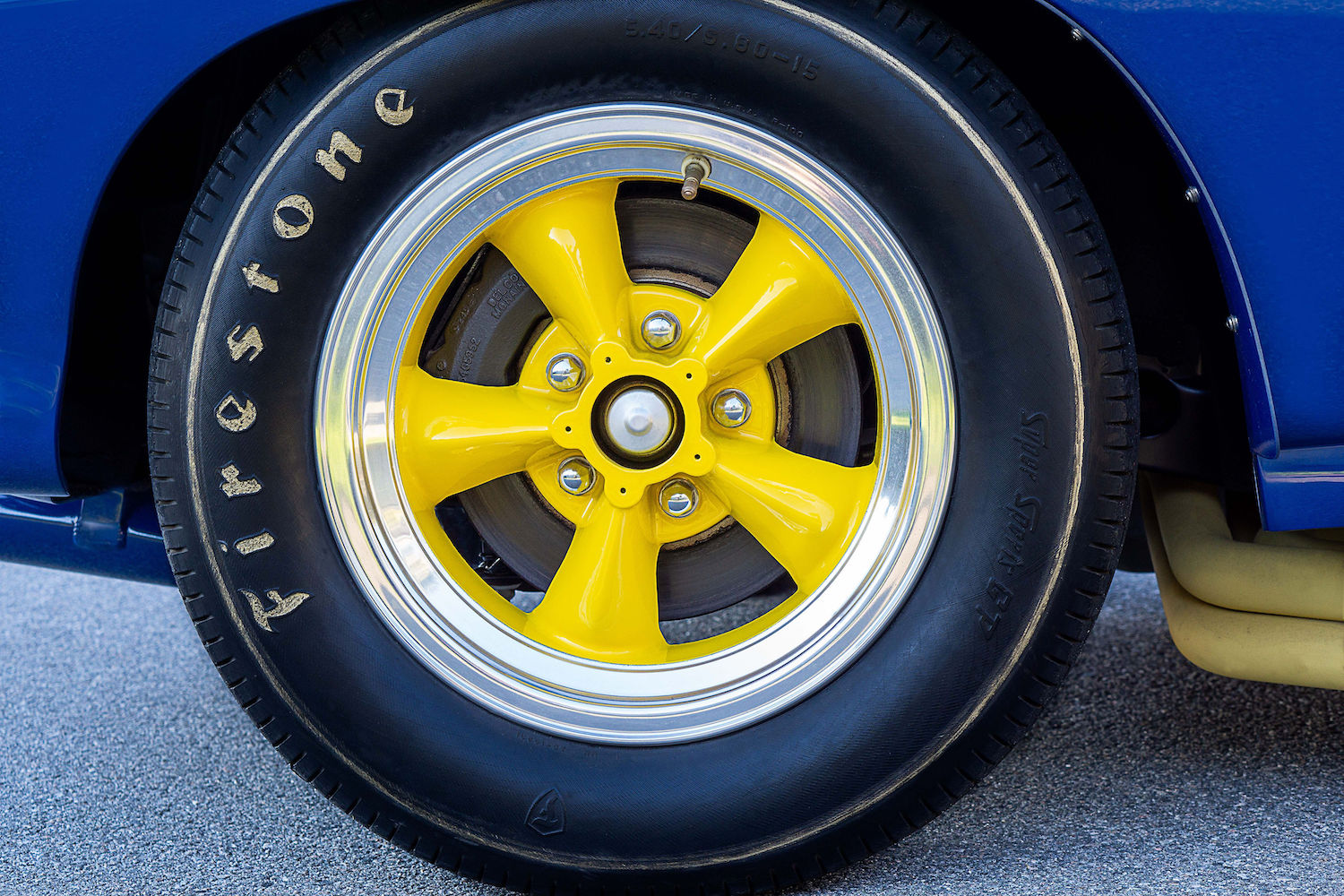 penske camaro yellow wheel