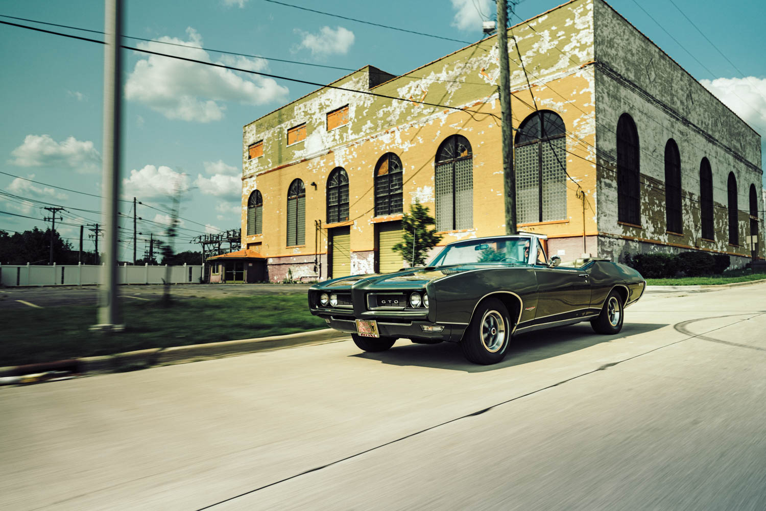 In 1986, Eric Schiffer paid $1000 for his 1968 Royal Bobcat GTO, not knowing exactly what it was. It had been thrashed from years of youthful carelessness by previous owners. Schiffer spent two years restoring it.