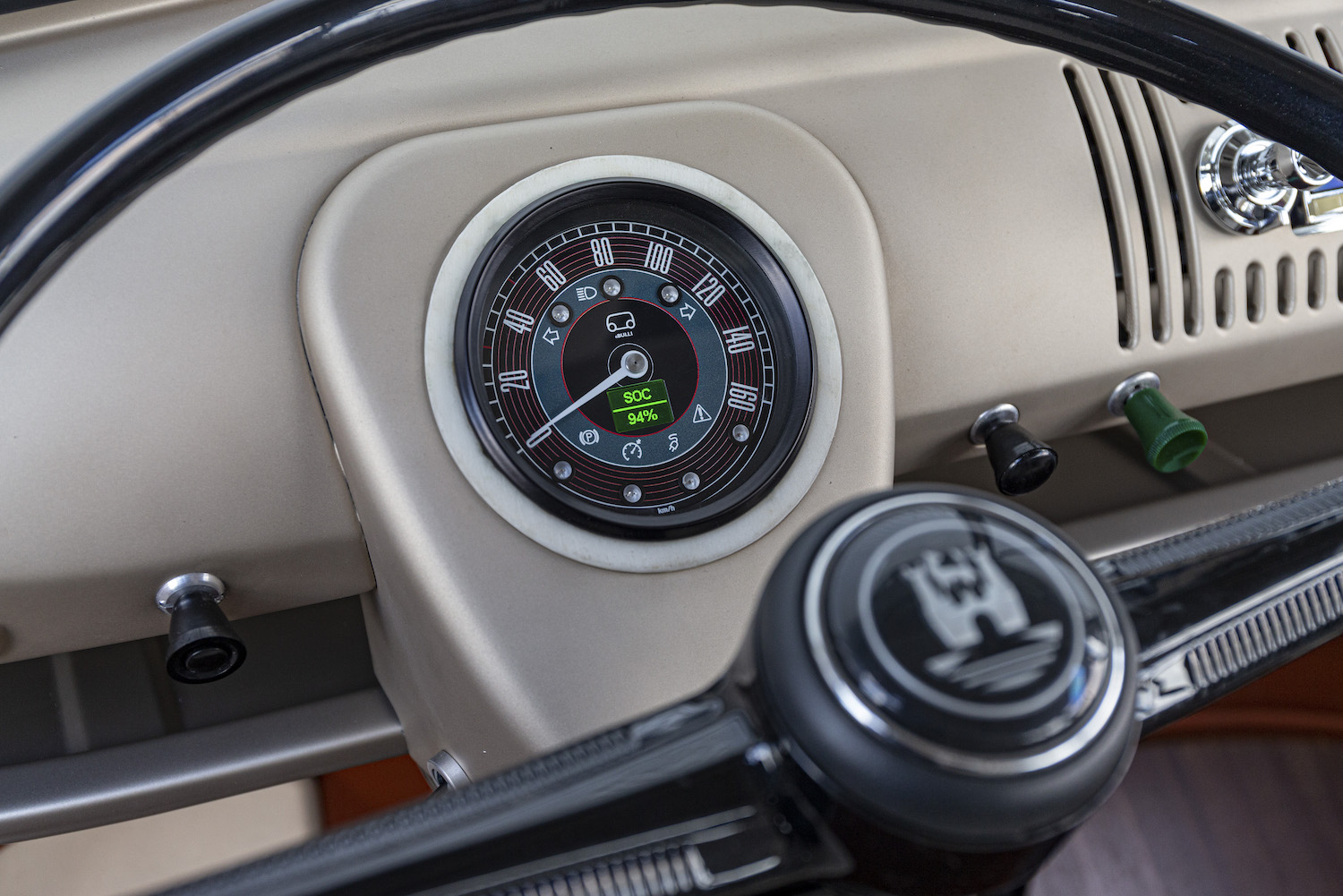 e-bulli concept 1966 classic wheel and speedometer