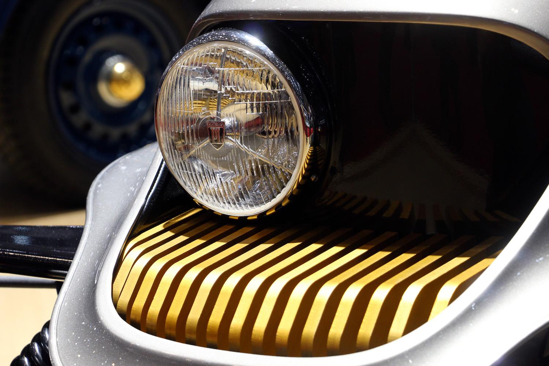 headlight detail close